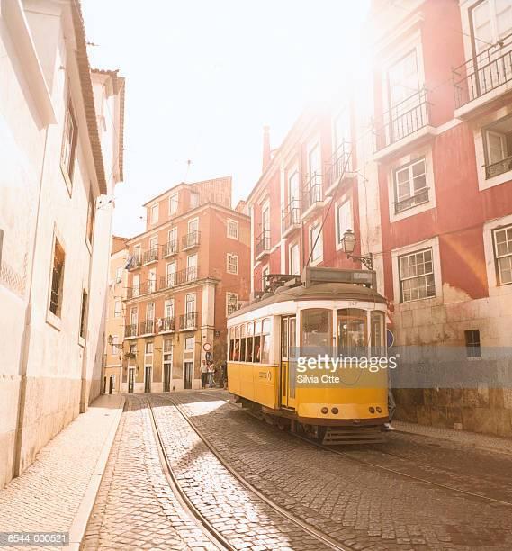 lisbon streetcar - portugal - fotografias e filmes do acervo