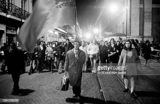 Lisbonne Portugal 18 mars 1975 Dans la capitale portugaise les manifestations se poursuivent une semaine après la tentative de coup d'Etat du 11 mars...