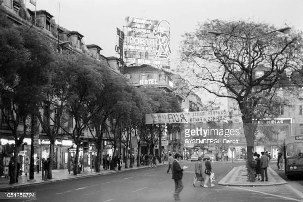 Lisbonne Portugal 1984 Une rue adjacente à la place du Rossio