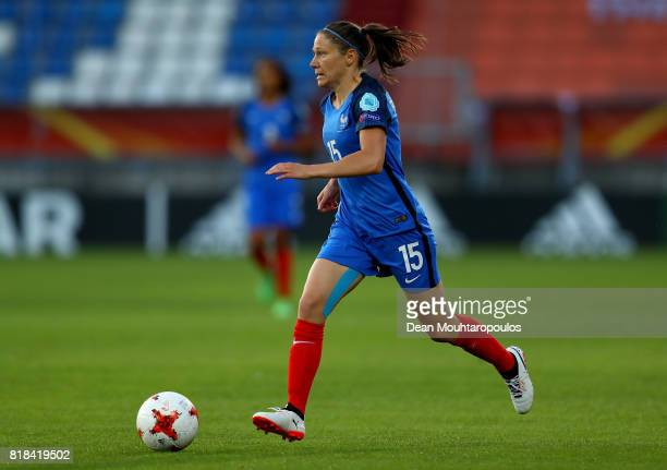 Élise Bussaglia of France runs with the ball during the Group C match between France and Iceland during the UEFA Women's Euro 2017 at Koning Willem...