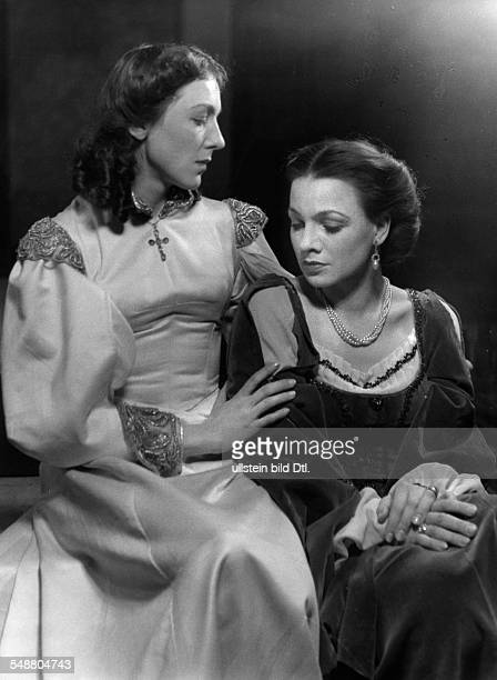 Lissa Eva * Actress Germany in the play 'Don Pedro' by Emil Strauss at the theatre Deutsches Theater Berlin Germany 1941 Photographer Charlotte...
