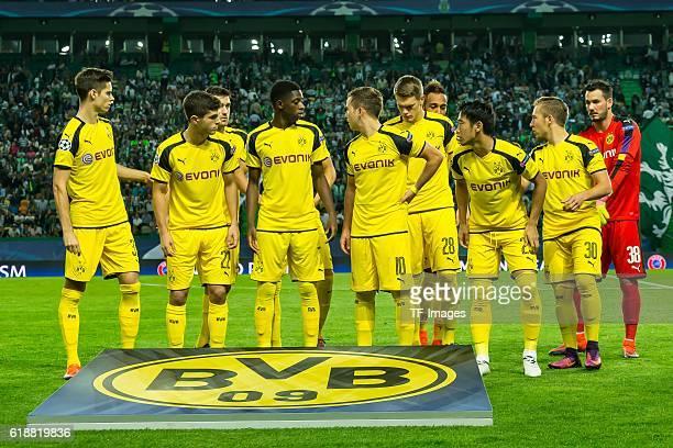 Lissabon Portugal UEFA Champions League 2016/17 Season Group F Matchday 3 Sporting Lisbon BV Borussia Dortmund oben vl Marc Bartra Sokratis Matthias...