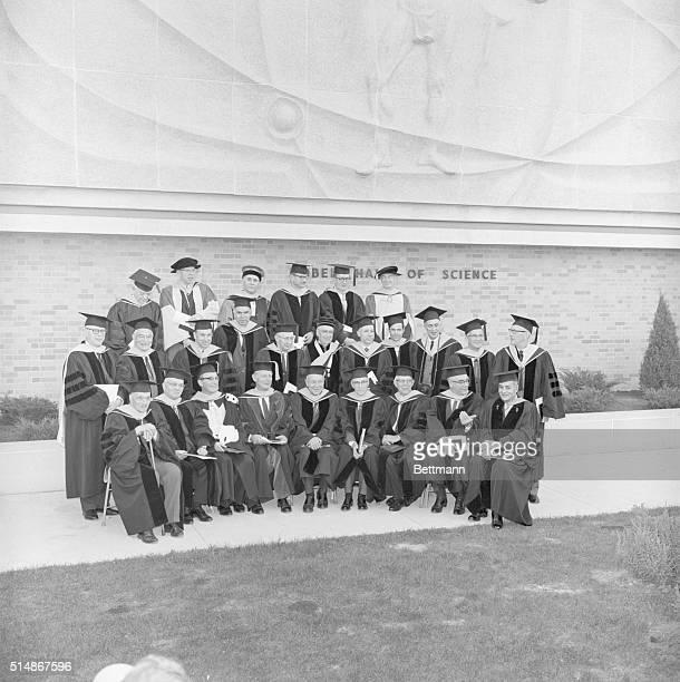 List of Nobel Laureates for Family Picture L R Row 1DrJames FranckDrHarold UreyDrArne TiseliusDrCarl CoriDrWendall StanleyDrWilliam MurphyDrEdward...