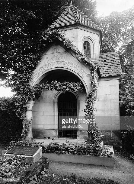 Liszt Franz Composer Pianist Hungary *2210181131071886 burial place of Franz Liszt in Bayreuth about 1932 Vintage property of ullstein bild