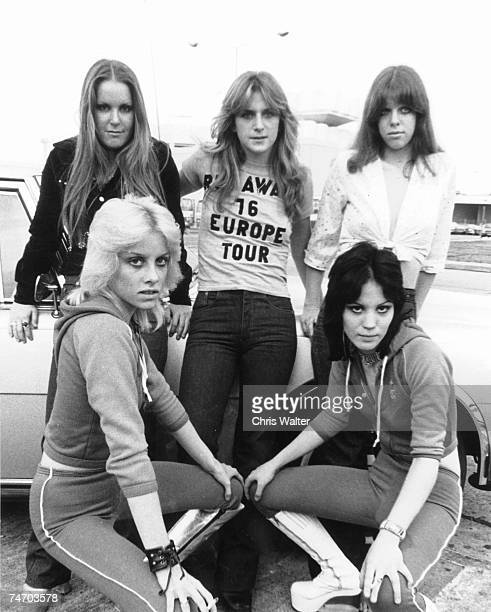 Lita Ford Sandy West Jackie Fox Cherie Currie Joan Jett of The Runaways 1976 during Runaways File Photos in london United Kingdom