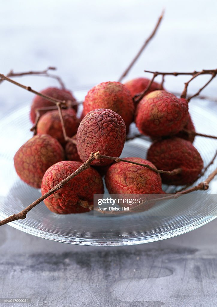 Litchis with branches,  close-up : Stockfoto