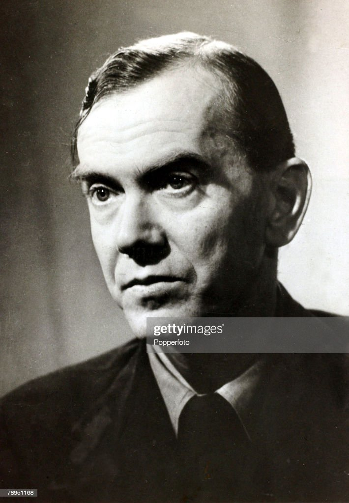 "Literature. Personalities. pic: circa 1940's. English writer Graham Greene, (1904-1991) a prolific author, whose works included ""The Quiet American"", ""The Third Man"" and ""Our Man In Havana"". : News Photo"