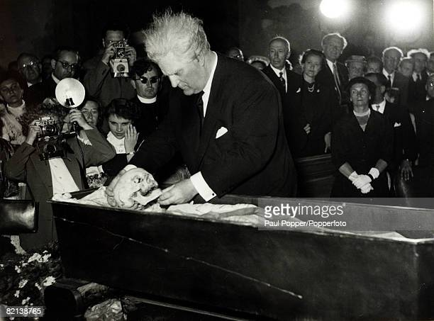 7th June 1954 Gustinus Ambrosi Austrian born sculptor poet and artist pictured at the ceremony in which the skull of the famous Austrian composer...