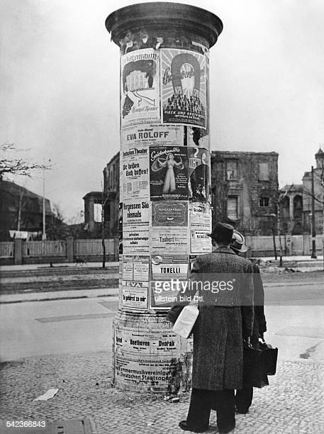 Litfaßsäule in Berlin1946