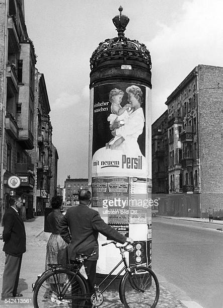 Litfaßsäule Passauer Strasse / Augsburger StrasseBerlin 1957