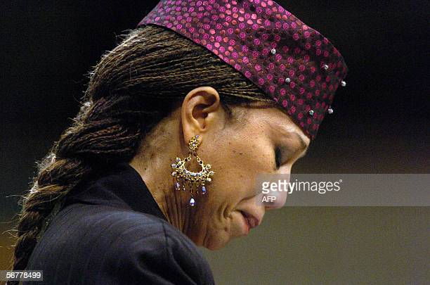 Attallah Shabazz daughter of the late African American leader Malcolm X bows her head during the funeral of Coretta Scott King 07 February 2006 at...