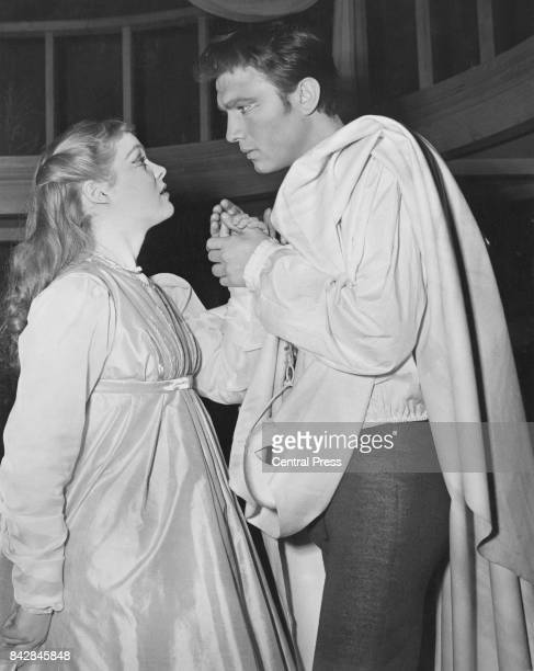 Lithuanianborn actor Laurence Harvey as Romeo with actress Zena Walker as Juliet during rehearsals of Shakespeare's 'Romeo and Juliet' at the...