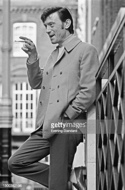 Lithuanian-born actor Laurence Harvey , UK, 2nd June 1972.
