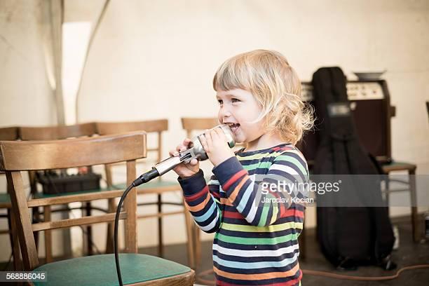 Litlle singer