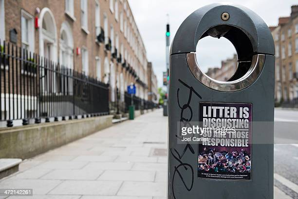 litter is disgusting sign - psa stock photos and pictures