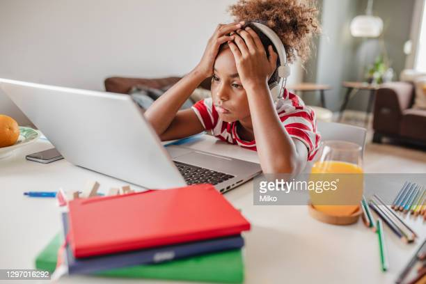 little african american girl is having learning disability - mindzoom 2 stock pictures, royalty-free photos & images