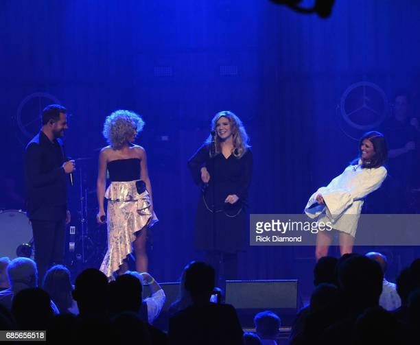 Little Big Town At The Mother Church Surprise guest Alison Krauss joins Jimi Westbrook Kimberly Schlapman and Karen Fairchild on stage at the Ryman...
