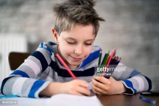 menino de desenho - só um menino - fotografias e filmes do acervo