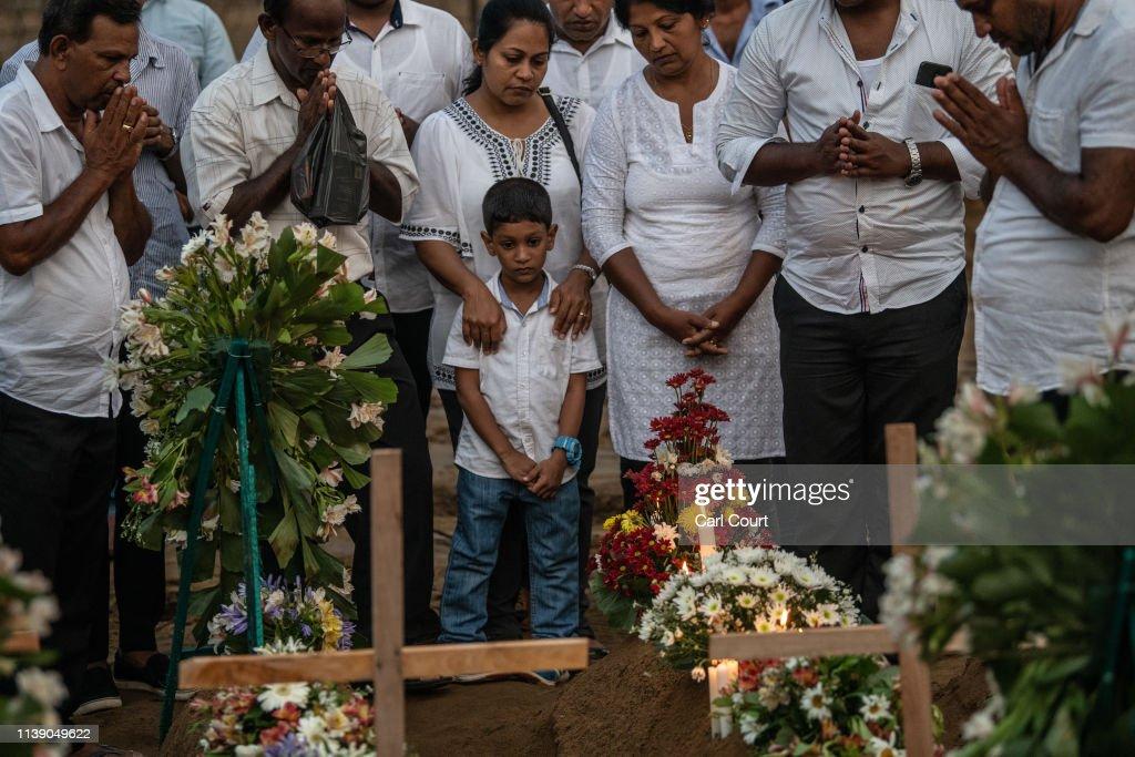 Sri Lanka Mourns Victims of Easter Sunday Bombings : Fotografia de notícias