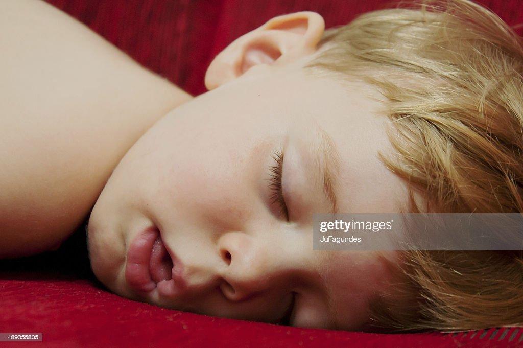 Фото спящих женщин с открытым ртом