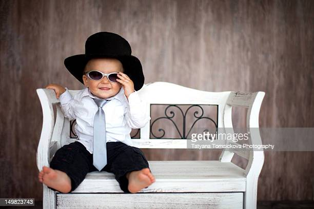 little boy with sunglasses - overhemd en stropdas stockfoto's en -beelden