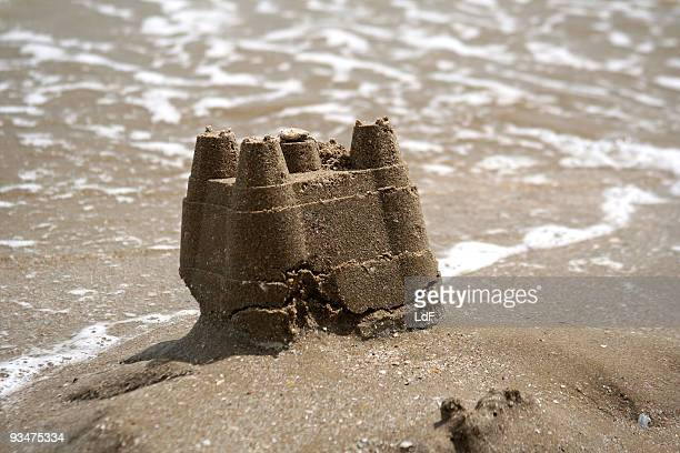 little castle going to fall - collapsing stock pictures, royalty-free photos & images
