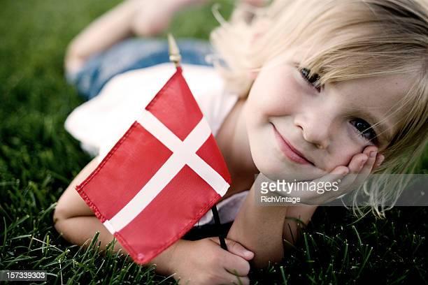 poco chica danesa - dinamarca fotografías e imágenes de stock