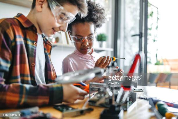 little engineers - stem stock pictures, royalty-free photos & images