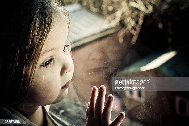little girl all alone - child abuse stock pictures, royalty-free photos & images