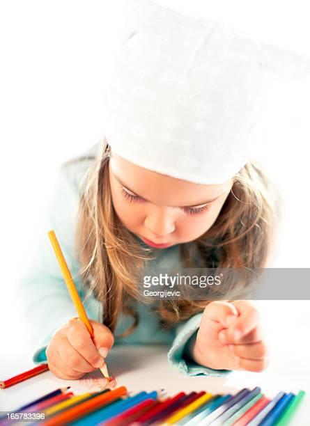 Kleines Mädchen zeichnen