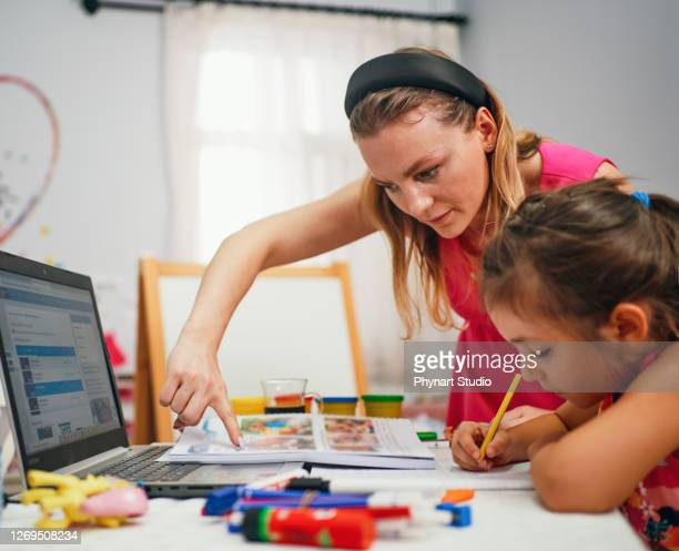 little girl during private lesson - instructor stock pictures, royalty-free photos & images