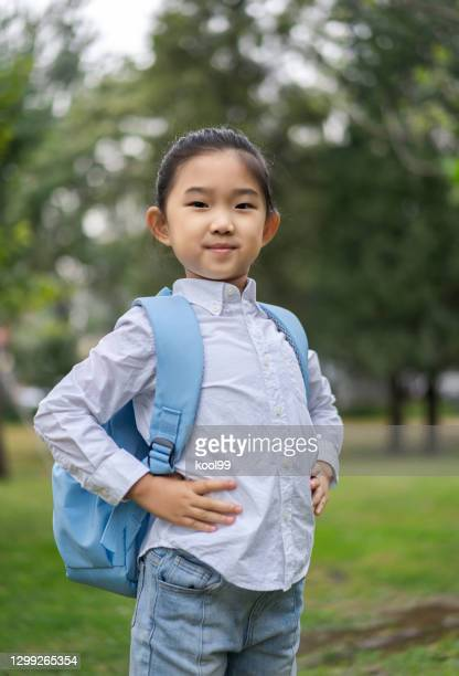 little girl good posture - good posture stock pictures, royalty-free photos & images
