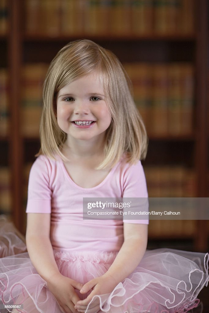 little girl in pink tutu, portrait : Foto de stock