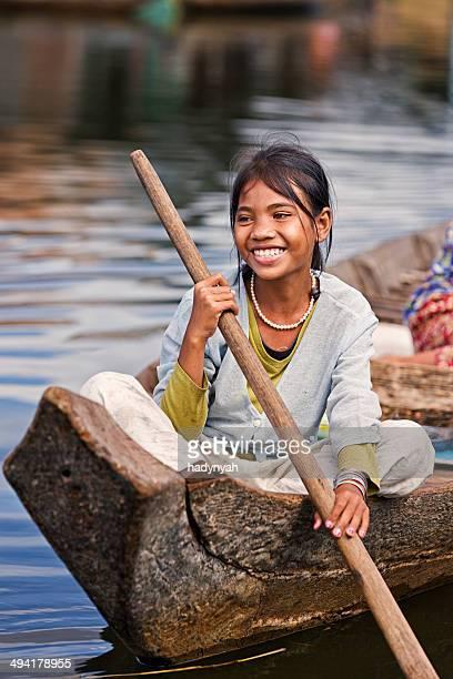 少女には、ボート、カンボジア