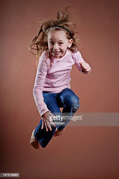 Niña de salto serie