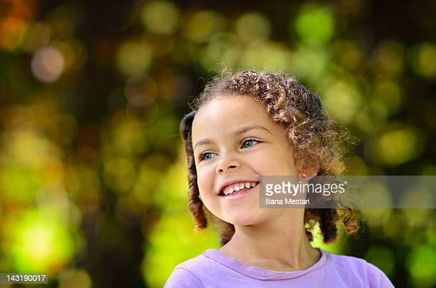 little girl smiling - green eyes stock pictures, royalty-free photos & images