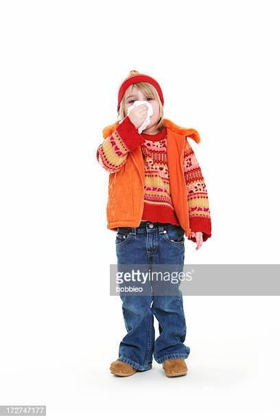 Kleines Mädchen mit Kälte Schnäuzen.