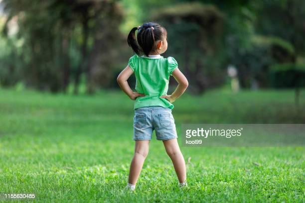 小さなヒーロー - 4歳から5歳 ストックフォトと画像