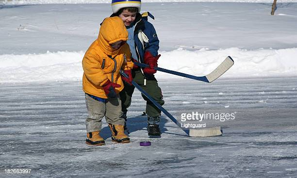 little hockey players - north stock pictures, royalty-free photos & images