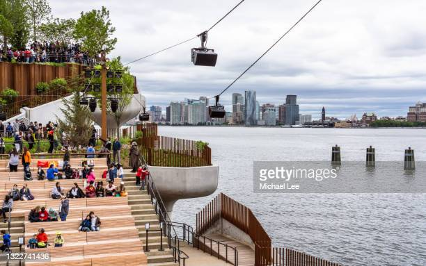 little island park - new york city - performing arts center stock pictures, royalty-free photos & images