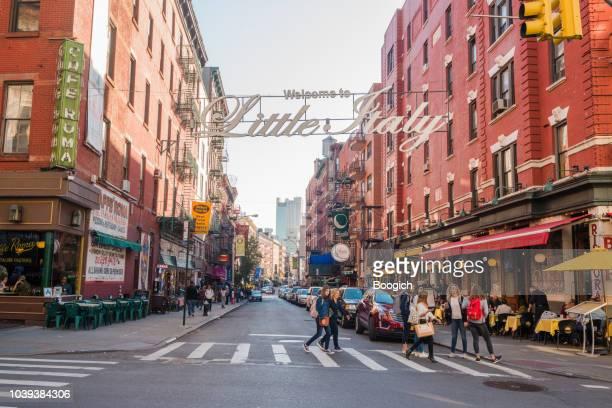 little italy city scene in manhattan nyc - little italy new york foto e immagini stock