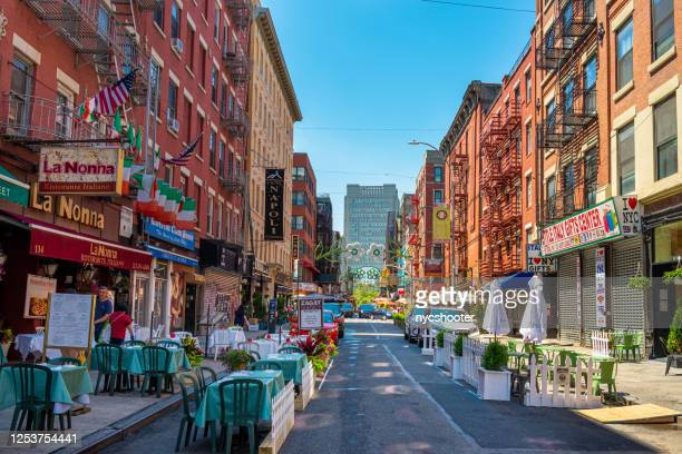 little italy opens outdoor dining during covid-19 pandemic - little italy new york foto e immagini stock