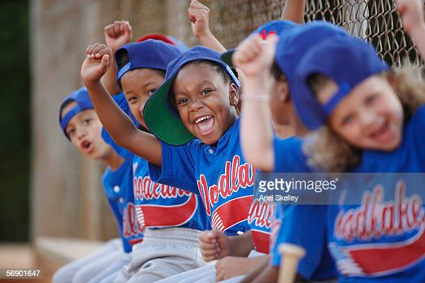 little league team cheering - baseball sport stock pictures, royalty-free photos & images