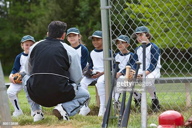 little league team playing ball - baseball team stock pictures, royalty-free photos & images