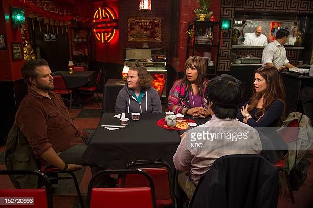 """Little Miss Can't Be Wrong"""" Episode 104 -- Pictured: Tyler Labine as Doug, Betsy Sodaro as Angela, Kym Whitley as Juanita, Joanna Garcia Swisher as..."""