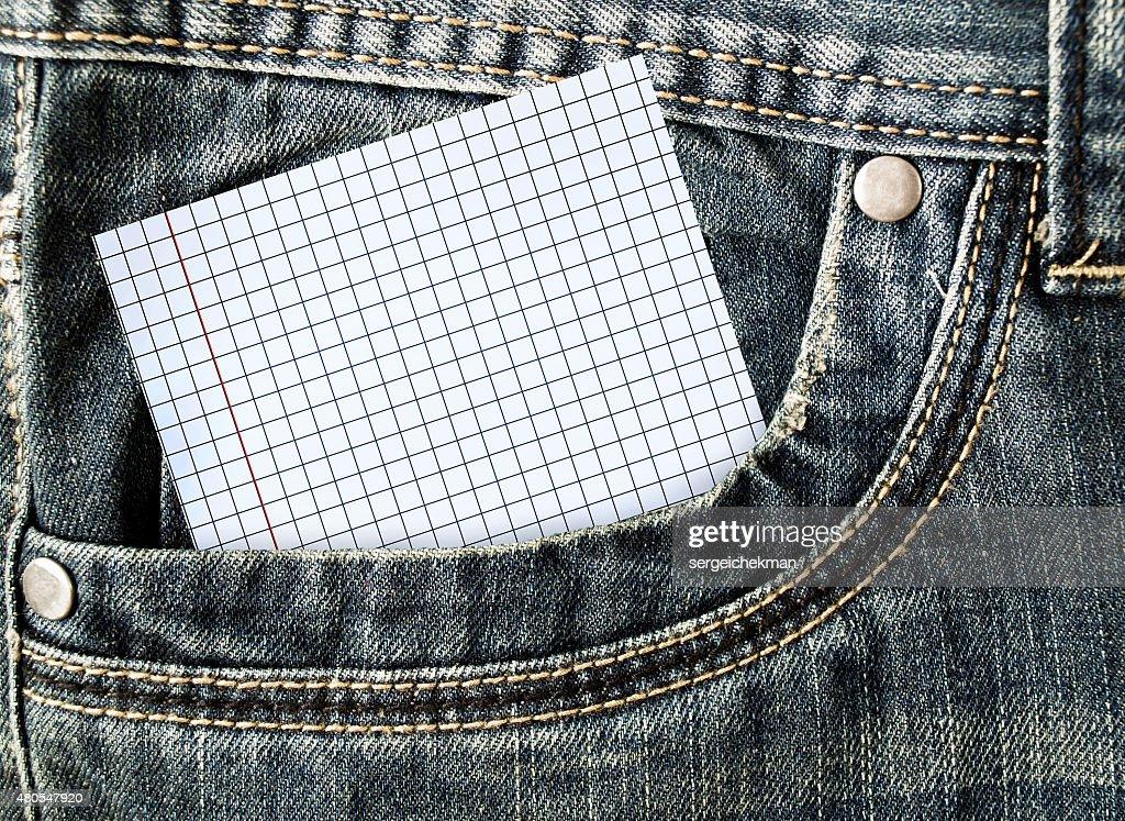 Kleiner Hinweis in der Seitentasche jeans : Stock-Foto