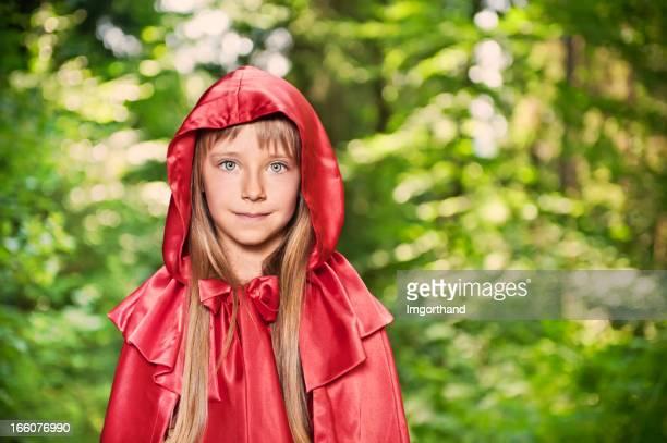 Rotkäppchen im grünen Wald