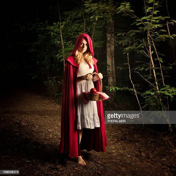 Little Red Riding Hood in den Wald verloren