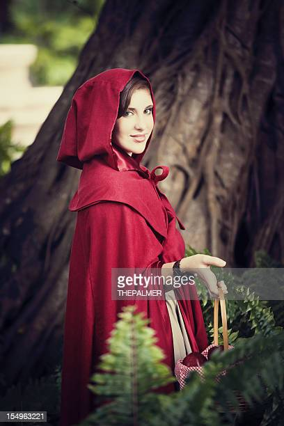 le petit chaperon rouge - le petit chaperon rouge photos et images de collection