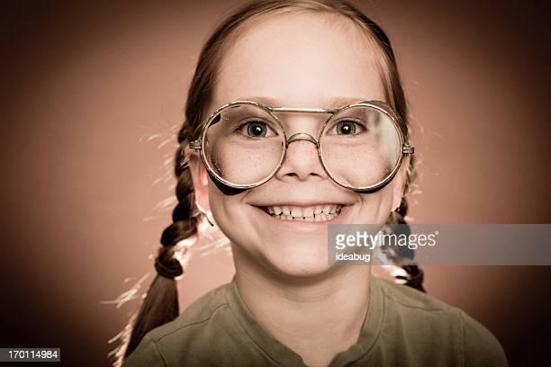 Roter männlichen Mädchen mit Steampunk Gläser